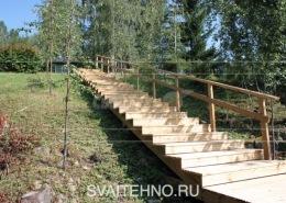 Винтовой фундамент лестницы на склоне