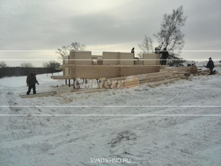 Строительство на склоне дома из бруса